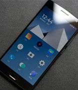 黑莓为12000名开发人员配送红色限量版BlackBerry Z10